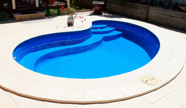 Round curve SPA style blue water pool