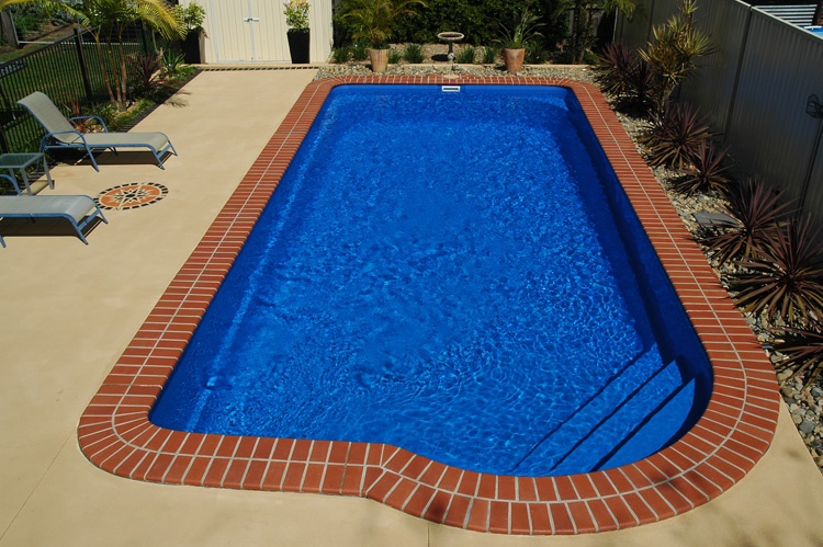 Classic Swimming Pool | Build your pool with Harvest Pools